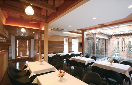 喫茶・会食スペース